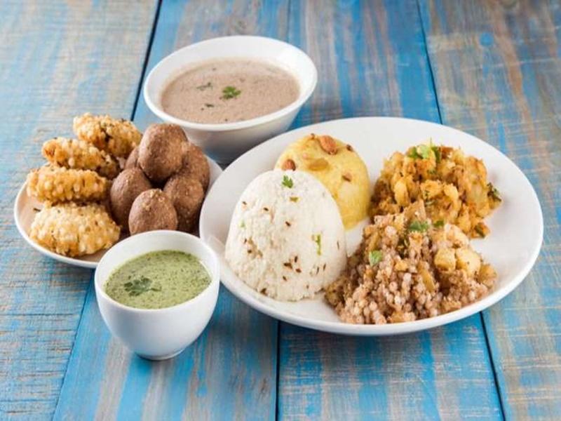 Navratri 2021: नवरात्रि पर व्रत रखने का है इरादा, तो खाने को लेकर इन चीजों का रखें ध्यान