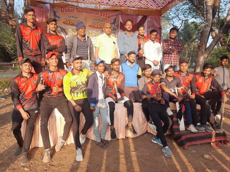 Bilaspur News: क्रिकेट स्पर्धा में सकरी को हरा चिचिरदा इलेवन ने मारी बाजी