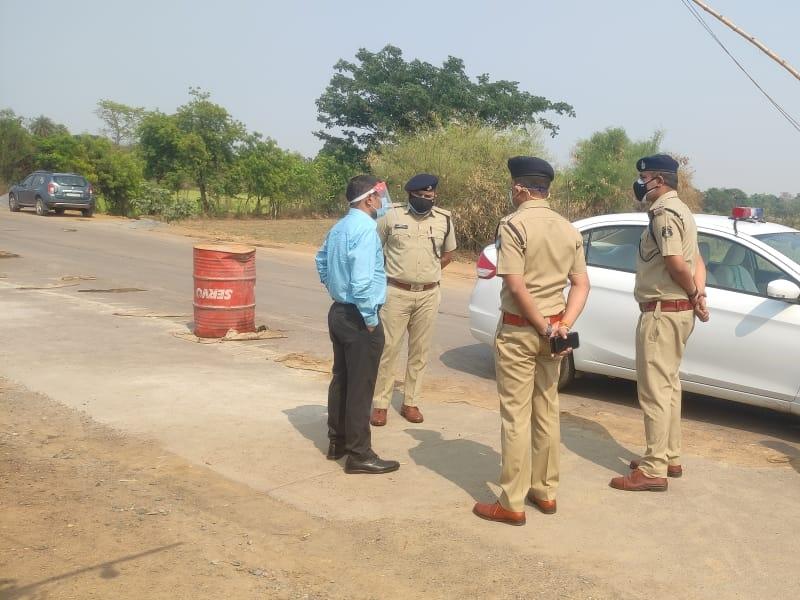 Bilaspur News: आइजी पहुंचे ओडिशा सीमा, जवानों का बढ़ाया हौसला