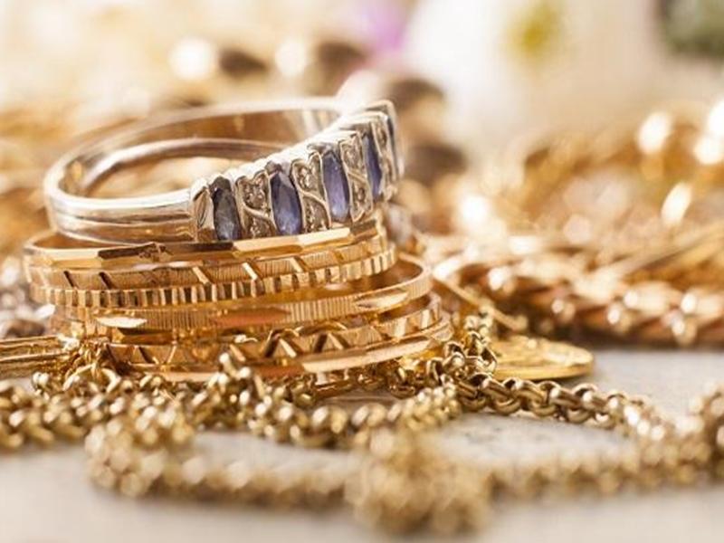 Gold and Silver Price : सोने के दाम 54652 रुपए प्रति 10 ग्राम, चांदी के भाव में गिरे