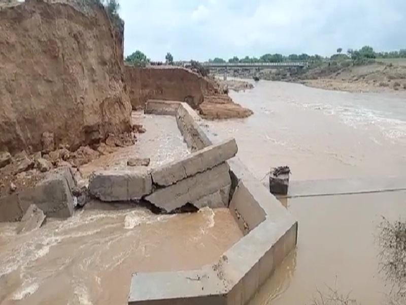 Flood in Gwalior Chambal Zone:  मुरैना में चंबल नदी में उफान का खतरा बरकरार, पांच करोड़ में बना नया डैम भरते ही फूटा