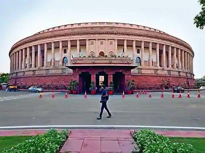 Parlimant Session: राज्यसभा में उप सभापति का बयान, निलंबित सांसदों ने तोड़ा कांच, महिला सुरक्षाकर्मी हुई घायल