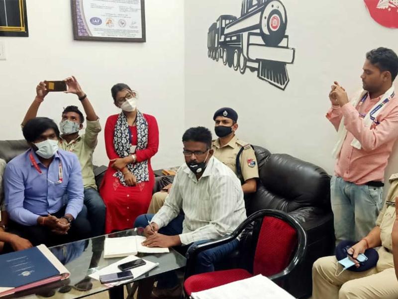 Raipur Railway Child Help News: रायपुर में सात महीने में 35 बच्चों को रेलवे चाइल्ड ने दिया आसरा