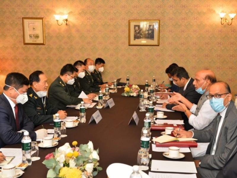 भारत और चीन के रक्षा मंत्रियों के बीच मॉस्को में हुई बातचीत, Rajnath Singh ने दिया सख्त संदेश