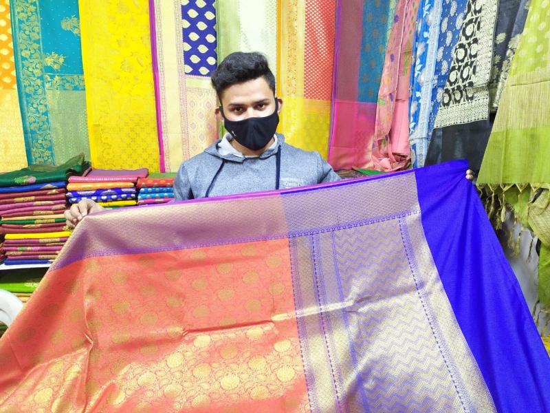Exhibition in Bhopal: सिल्क इंडिया प्रदर्शनी में महिलाओं को लुभा रही है तनचोई जामावर साड़ी