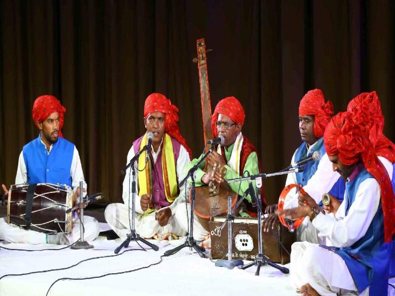 Bhopal arts News: गमक के तहत कबीर गायन और बैगा नृत्य परघौनी की प्रस्तुति