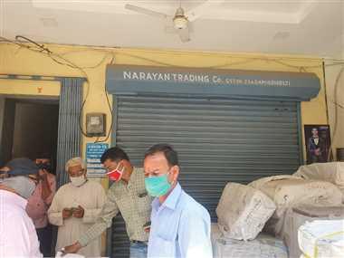 Ujjain Coronavirus News: पत्नी कोरोना पाजिटिव, पति दुकान खोलकर कर रहा था व्यापार