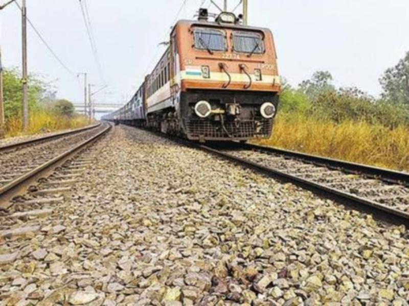 Bilaspur Railway News: बिलासपुर में सेक्शन को आटोमेटिक सिग्नलिंग करने रद रहेंगी ट्रेनें