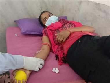 मजदूर दिवस पर रक्तदान करने उमड़े युवा