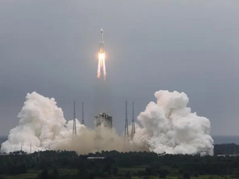 Space Alert: बेकाबू हुआ चीन का 19000 किलो का रॉकेट, 8 मई को धरती पर बड़ा खतरा