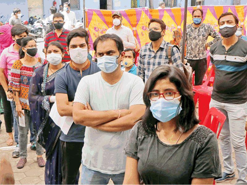 Vaccination of 18+ in Indore: इंदौर में 18 वर्ष से अधिक उम्र के 97 लोगों को लगा 'जिंदगी का टीका'