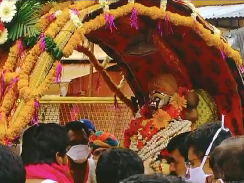 Mahakal Savari : चंद्रमौलेश्वर रूप में चांदी की पालकी में सवार होकर भक्तों को दर्शन देने निकले महाकाल