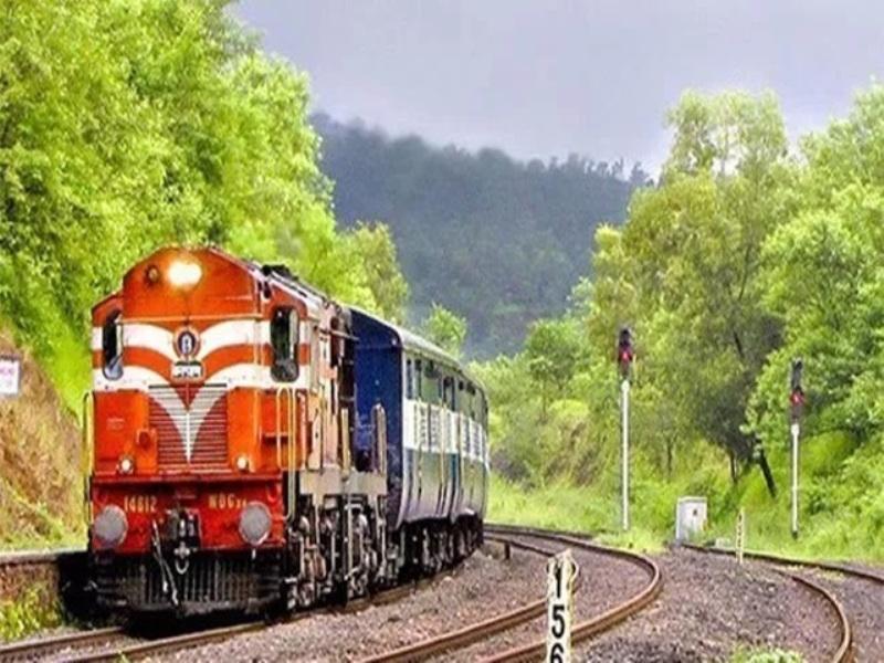 Jabalpur Railway News: आज हैदराबाद से इटारसी होकर गोरखपुर जाएगी समर स्पेशल ट्रेन