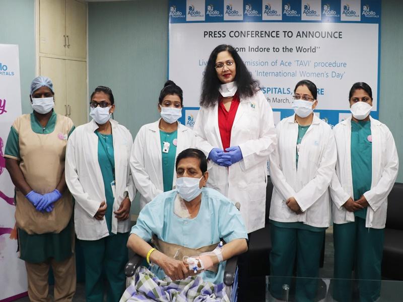 इंदौर में महिला कार्डियोलाजिस्ट ने बदला हृदय का वाल्व, दुनिया ने देखा जीवंत प्रसारण