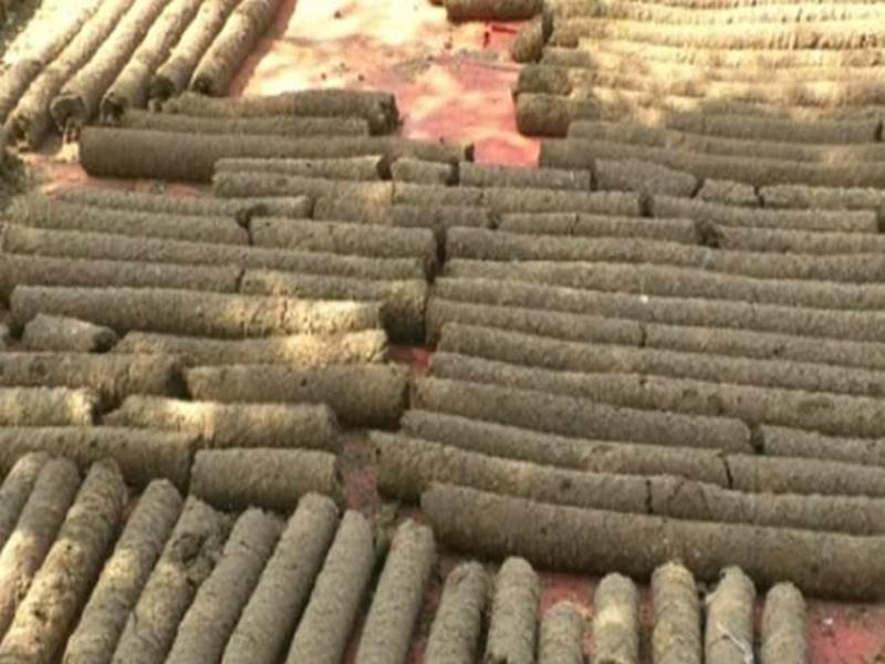Bilaspur Municipal Corporation News: पर्यावरण को बचाने गोकाष्ठ से करें होलिका दहन, जल्द ही आएगा बाजार में