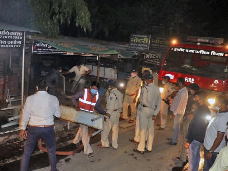 Indore News: जिला कोर्ट के रिकार्ड रूम में लगी आग, तलघर की खिड़कियां तोड़कर पहुंचाया पानी का पाइप
