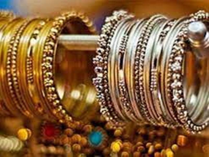Gold-Silver prices in Indore: इंदौर सराफा बाजार में सोना उछलकर 49 हजार के पार, चांदी भी मजबूत