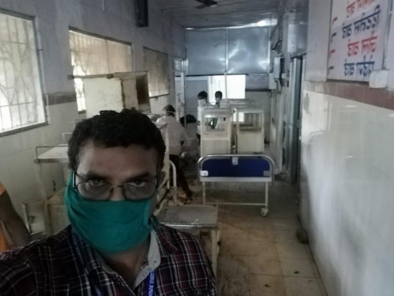 Coronavirus in Ambikapur : कोरोना से सीधी जंग लड़ रहे हैं अंबिकापुर के ये चिकित्सक