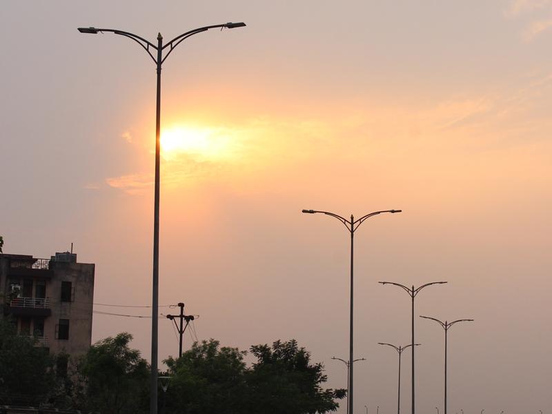 Weather News: चक्रवात के असर से बदल सकता है मौसम का मिजाज