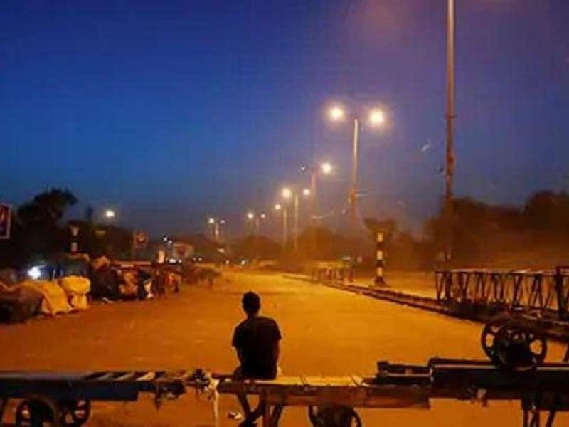 Lockdown Night Curfew: मुरादाबाद में भी नाइट कर्फ्यू का ऐलान, आज से देश के इन शहरों में लॉकडाउन