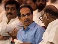 Maharashtra: संकट में उद्धव सरकार, भाजपा का दावा- दो और मंत्री देंगे इस्तीफा, लगे राष्ट्रपति शासन