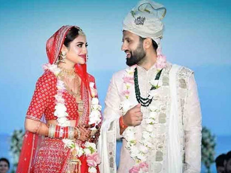 tmc mp nusrat jahan says her marriage with nikhil jain is not valid hence  no need for divorce