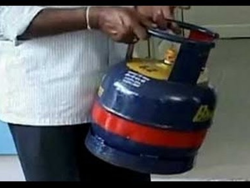 5 किलो के LPG Cylinder के हैं कई फायदे, जानिये कहां और कैसे मिलता है मिनी सिलेंडर