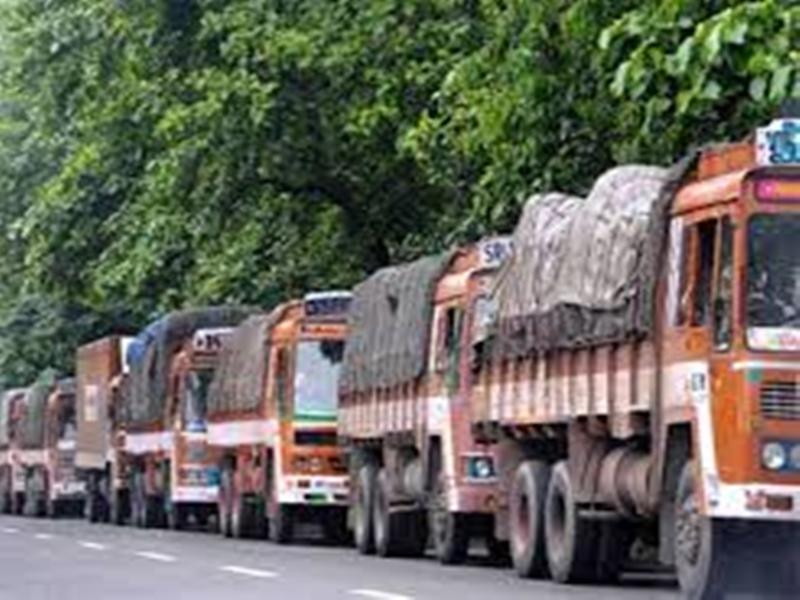 Transporters Strike : मध्य प्रदेश में थम गए 4.5 लाख वाहनों के पहिए