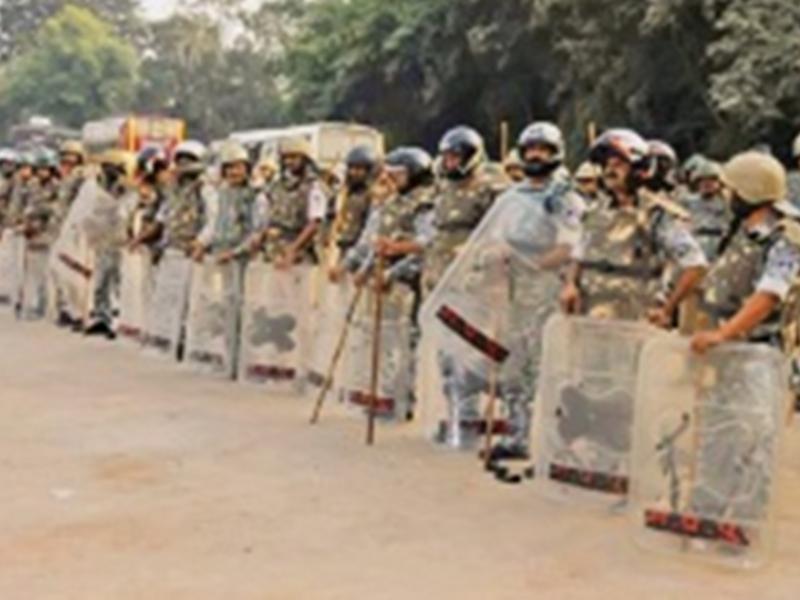 Ayodhya Judgment 2019 : ग्वालियर में फैसले को लेकर सरकारी तंत्र ने कसी कमर, रातभर अधिकारी रहे सक्रिय
