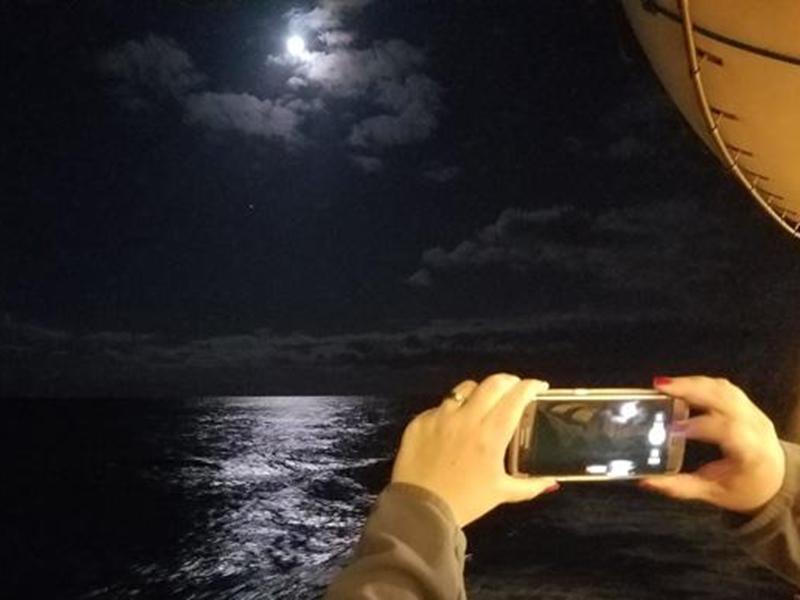 Chandra Grahan 2020: इन ट्रिक्स की मदद से ले सकेंगे ग्रहण की खूबसूरत तस्वीरें