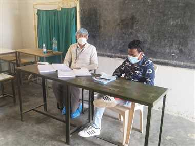 कोरोना टीकाकरण केंद्रों में नहीं पहुंच रहे युवा