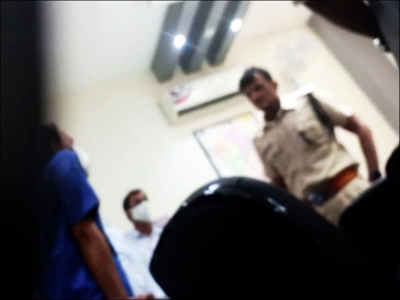 Vikas Dubey Encounter : जांच के घेरे में उज्जैन ASP, पकड़ने के दौरान कहा था, 'आई होप ना पहुंचे', देखें VIDEO