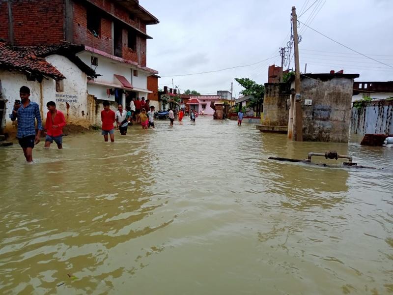Rainfall In Dhamtari: धमतरी जिले में बारिश की वजह से इस गांव में बाढ़ के हालात, घरों में नहीं जल पा रहा चूल्हा