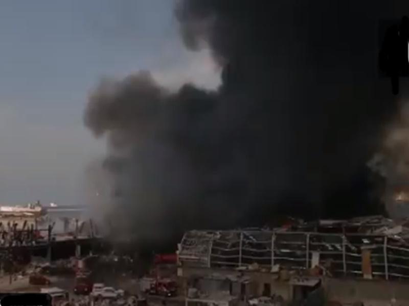 Beirut Fire Video: बेरूत के पोर्ट पर लगी भीषण आग, लोग घर छोड़कर भागे, देखें वीडियो