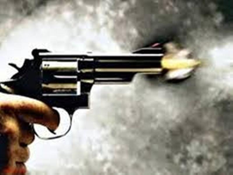 Morena Crime News: खेत पर जा रहे ग्रामीणों पर किए फायर, तीन घायल