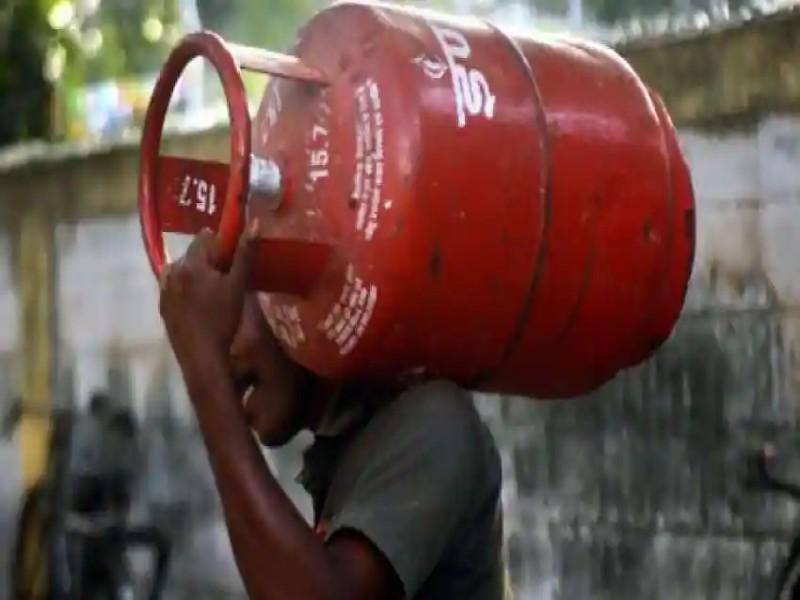 LPG Subsidy: रसोई गैस की सब्सिडी पर केंद्र सरकार बना रही योजना? जानें कितनी मिलेगी राहत