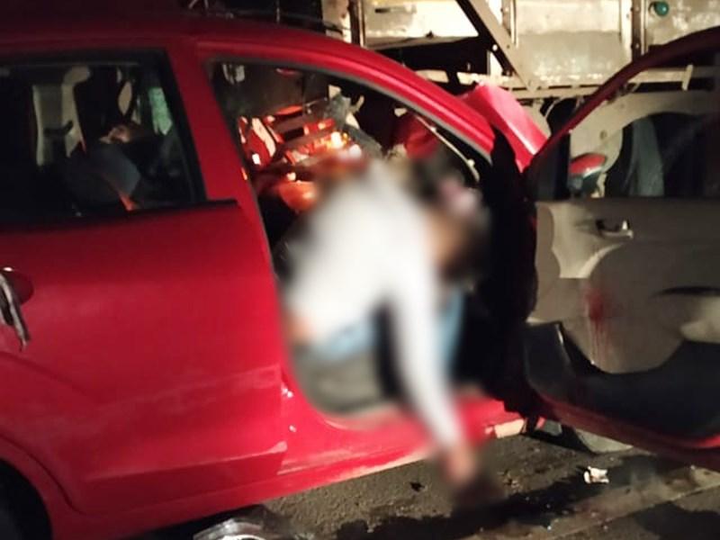 Accident in Vidisha : विदिशा में खड़े ट्रक से टकराई कार, 4 लोगों की मौत