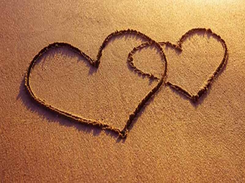 Amroha Love Affair: अमरोहा में एक युवक से शादी की जिद पर अड़ीं दो सगी बहनें, युवक ने किया इंकार