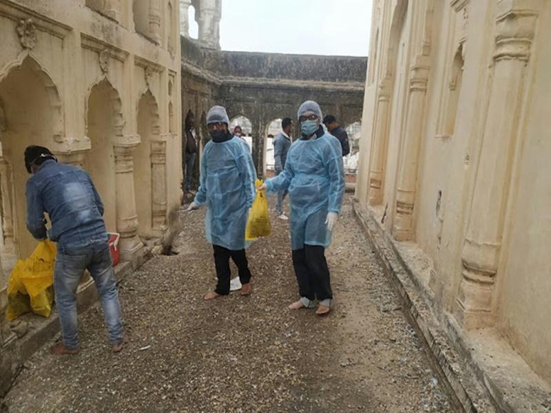 पन्ना के जगन्नाथ स्वामी मंदिर की छत पर 2 दर्जन से अधिक कबूतर मृत मिले