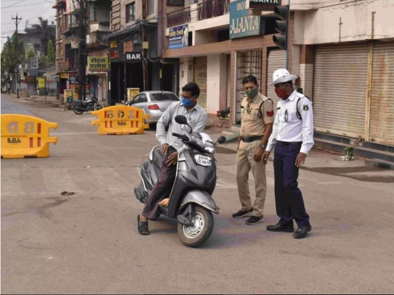 Lockdown In Raipur: राजधानी में लॉक डाउन का दूसरा दिन, बेवजह निकलने वालों पर कारवाई