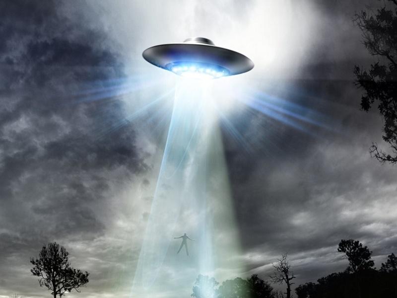 England: महिला का अजीबोगरीब दावा, Aliens ने किया 52 बार किडनैप