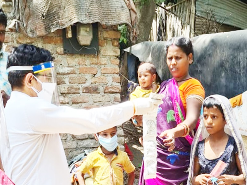 Coronavirus Indore News:  गांंव के 400 परिवारों में पहुंचे युवा, शुरू हुआ कोरोना मुक्ति अभियान