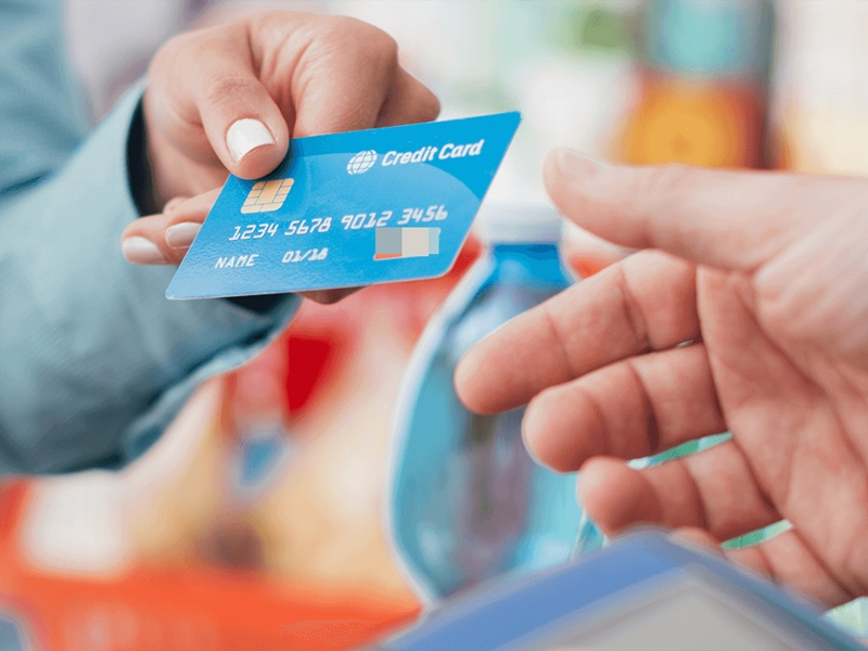 Should you pay credit card bill via EMI Know the answer of this important  Question