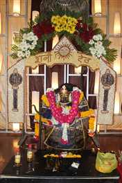 शनि जयंती पर अलसुबह से रात तक  खानपुरा स्थित मंदिर में पहुंचे भक्त