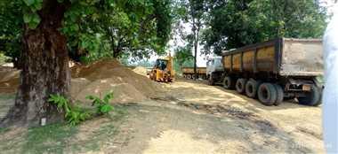 रेत के अवैध खनन से पुलिया ढ़हने का खतरा