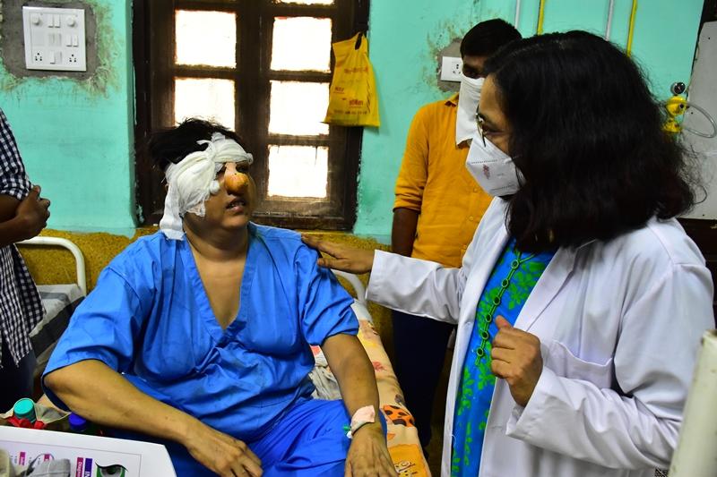 Black Fungus in Jabalpur : महिला की दोनों आंखों में पहुंच गया था ब्लैक फंगस, मेडिकल में हुआ सफल ऑपरेशन