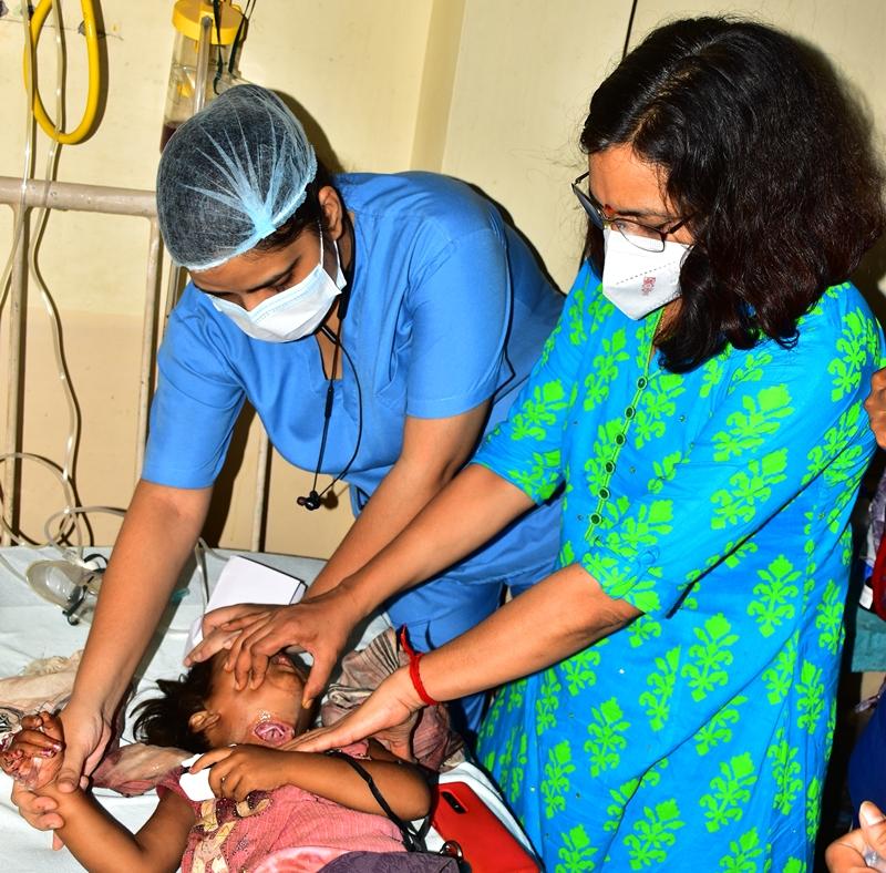 Jabalpur Crime News: मंदबुद्धि पिता ने हंसिया से रेत दिया चार साल की बेटी का गला, पढ़ें क्या है मामला