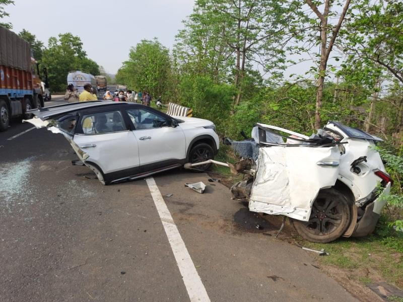 Chhindwara Road Accident : तेज रफ्तार कार पुलिया से टकराई, दो टुकड़े हुए, तीन की मौत, दो गंभीर