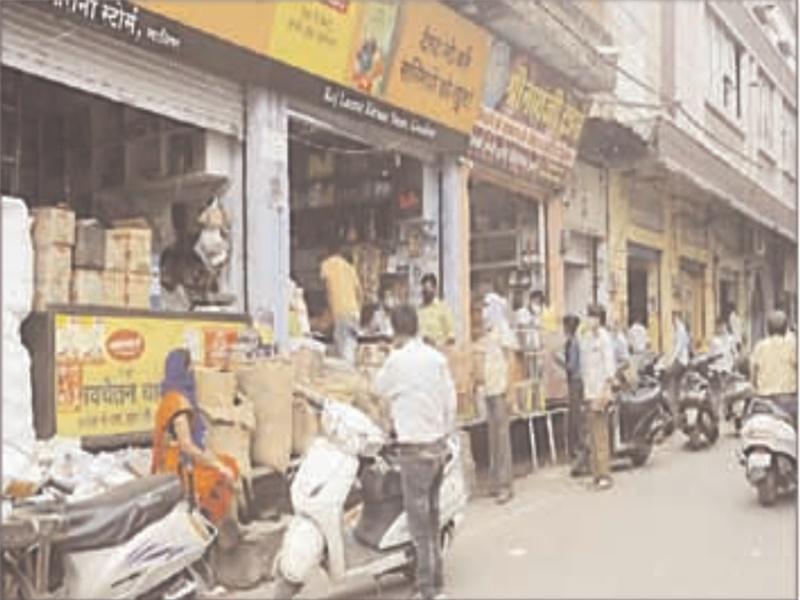 Unlock Gwalior: बिना मास्क के बाजारों में घूम रहे लोगों को फटकारा