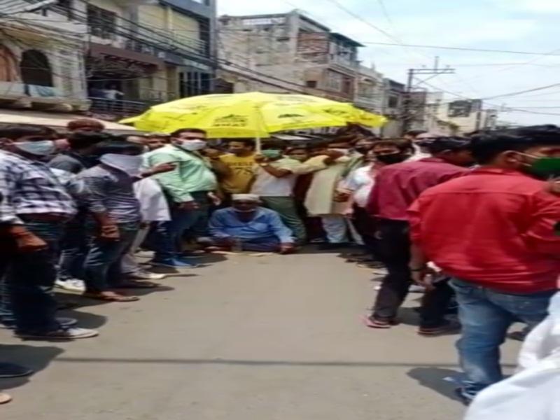 Gwalior Crime News: व्यापारियाें ने बनाया दबाव, पुलिस ने सराफा काराेबारी पर हमला करने वाले आराेपिताें काे किया गिरफ्तार